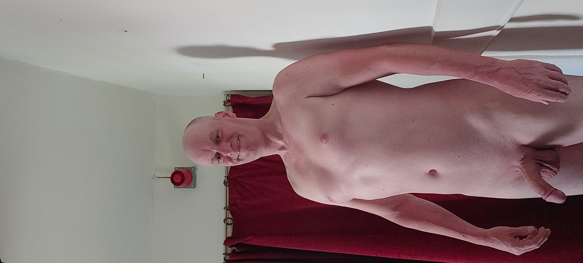 Cumplaywithmycock from Wiltshire,United Kingdom